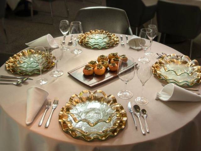"""Picture of Ruffle 9.5"""" Glass Salad Plate"""