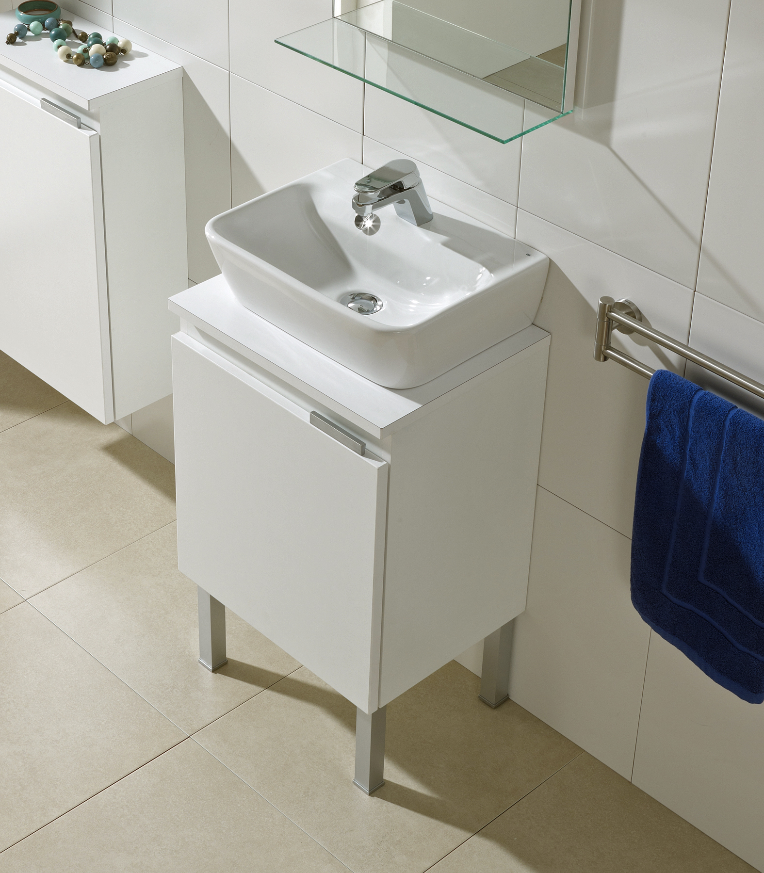 Picture of Bissonnet Emma 42 Italian Wall-Mount Sink