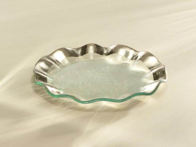 "Picture of Ruffle 9.5"" Glass Salad Plate"